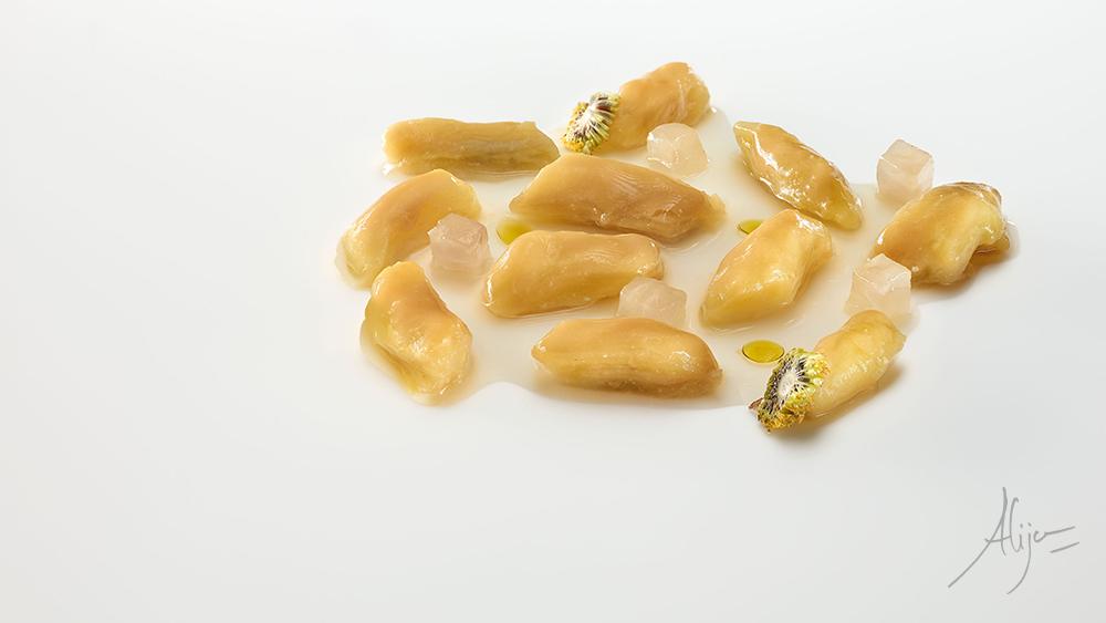 Aubergine, miso rouge et soupe de haricots blancs