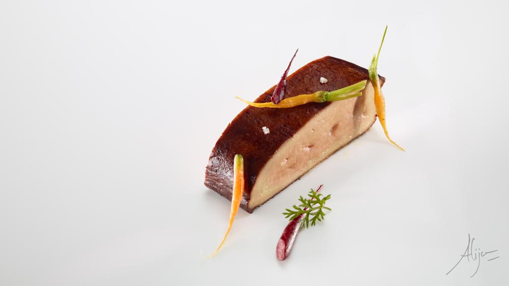 Foie gras rôti, carottes et réglisse (makil goxo)