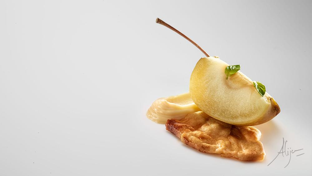 Pomme avec menthe à la crème de pomme de terre et prune