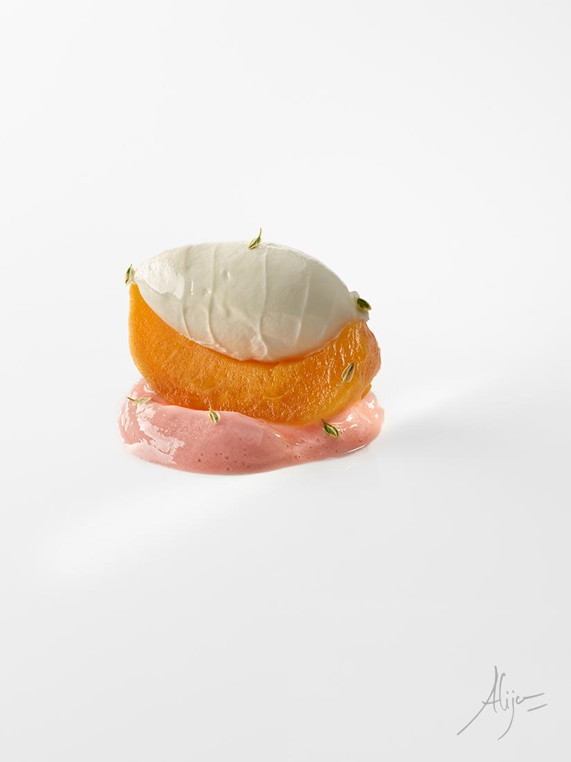 Pêche, thym citron, fraise, vanille et lait glacé d'amande