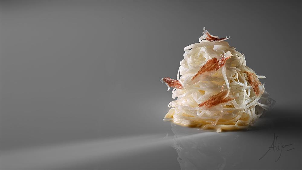 Navet blanc, noix de muscade et tranches fines de fanon ibérique